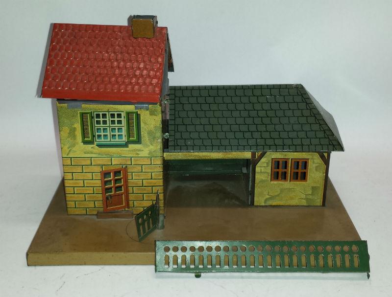 bub bing bing kleiner landbahnhof 10 653 nach renovierung. Black Bedroom Furniture Sets. Home Design Ideas